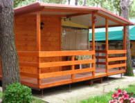 Case mobili preingressi roulotte casette in legno for Mobile terrazzo legno