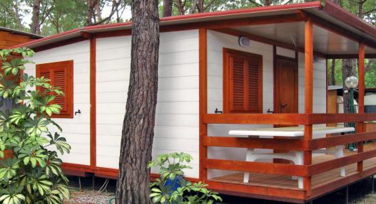 Case mobili preingressi roulotte casette in legno tettoie pedane coperture roulotte verande - Verande mobili per terrazzi ...