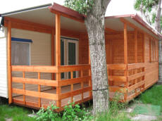 Preingressi caravan casette in legno case mobili tettoie pedane coperture roulotte verande - Mobile terrazzo legno ...